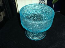 UNUSUAL VINTAGE FOOTED DISH AZURE BLUE GLASS BARK TEXTURE FINISH UV GREEN GLOW